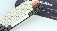 精巧超薄 POK3R V2 RGB矮轴机械键盘上手