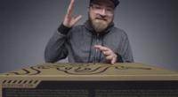 科技全视角:游戏本中的战斗机?雷蛇笔记本开箱