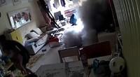实拍:电动滑板车家中起火爆炸