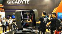台北电脑展 技嘉VR模拟飞行现场演示