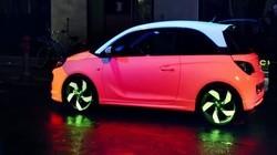 可爱的外形炫彩的灯光, 是车更是会撩人的小可爱