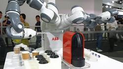 2019MWC 使人变懒 爱立信展示5G咖啡机器人
