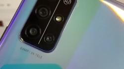 荣耀30S目前来说在两千元手机中性能功耗方面算最好的了,那个反射光现身羽毛效果看到了吗