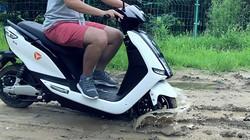 雅迪E7Li泥泞道路测试