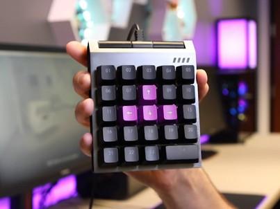 科技早报:玩游戏爽!一款神奇的24键机械键盘